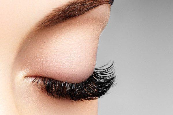 เรื่องต่อขนตาเป็นเรื่องสำคัญ!