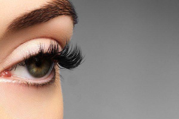 การต่อขนตาและอายุการบำรุงต่ำ